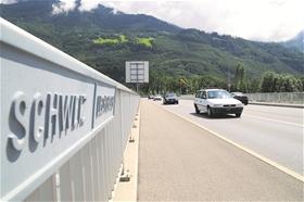 Gewerbebetriebe aus Liechtenstein, die auch in der Schweiz tätig sind, stossen jenseits des Rheins auf zahlreiche bürokratische Hürden. Nun sollen ähnliche Regulierungen in Liechtenstein für Gerechtigkeit sorgen.?(Foto: Paul Trummer)