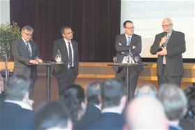 Debattierten über die Herausforderungen der Wirtschaft, von links: Heinz Knecht (LLB), Klaus Risch (LIHK),?Arnold Matt (Wirtschaftskammer) und Thomas Zwiefelhofer (Wirtschaftsminister).(Fotos: Michael Zanghellini)